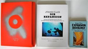 """Die Neuerscheinung des Werkverzeichnisses III liegt zusammen mit der 1982er Ullsteinausgabe des Buches """"Die Expansion der Kunst"""" in einer farbigen, vom Künstler gestalteten Mappe."""